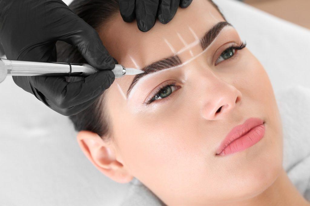 semi permanent lip and eyebrow makeup maleny qld - waxing - facials - cosmetic tattoo maleny